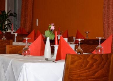 Der perfekt gedeckte Tisch, Fotografie innenaufnahme